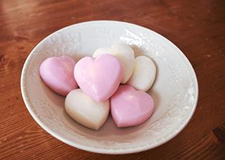 バレンタイン、チョコ嫌いにハート形のチーズ入りかまぼこはいかが?