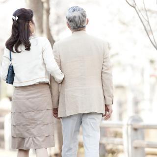 夜の営み、介護問題……夫が年上...